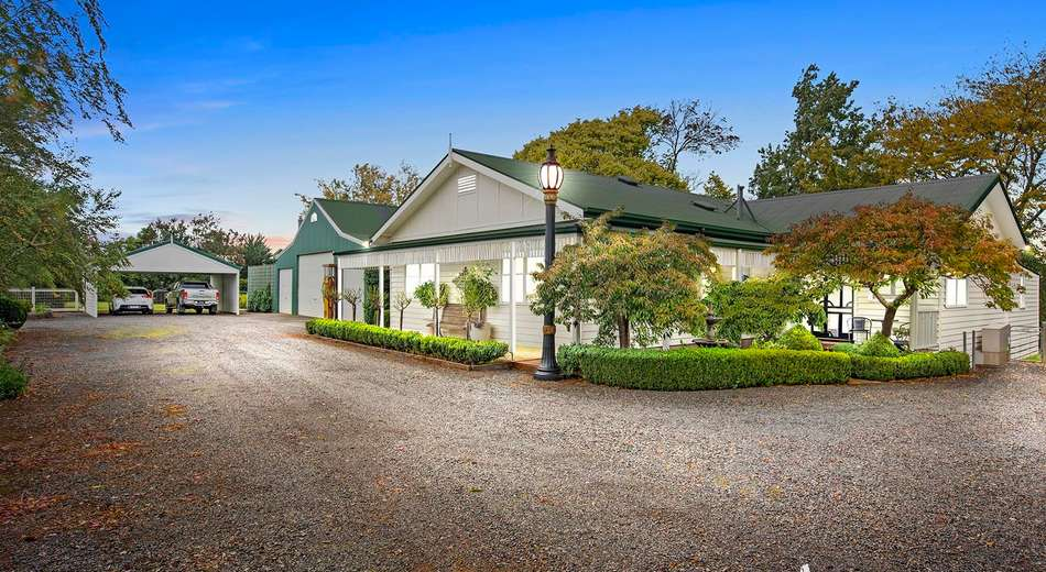 240 Queens Road, Wandin East VIC 3139