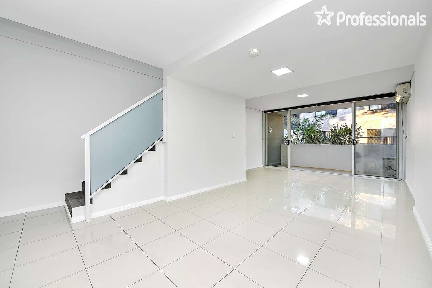 Main view of Homely unit listing, 3/6-8 REID Avenue, Westmead NSW 2145