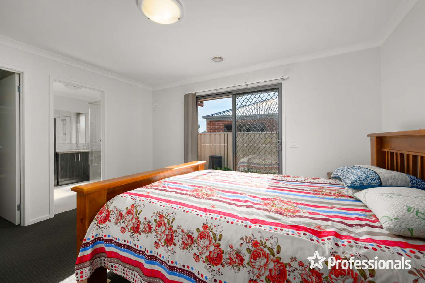 Fifth view of Homely house listing, 18 Lingford Court, Wodonga VIC 3690