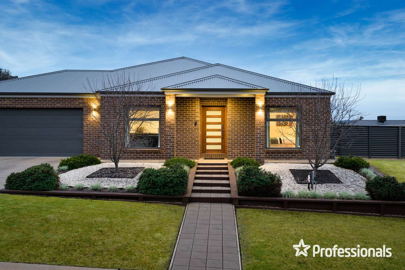 Main view of Homely house listing, 27 Cleeland Court, Wodonga VIC 3690