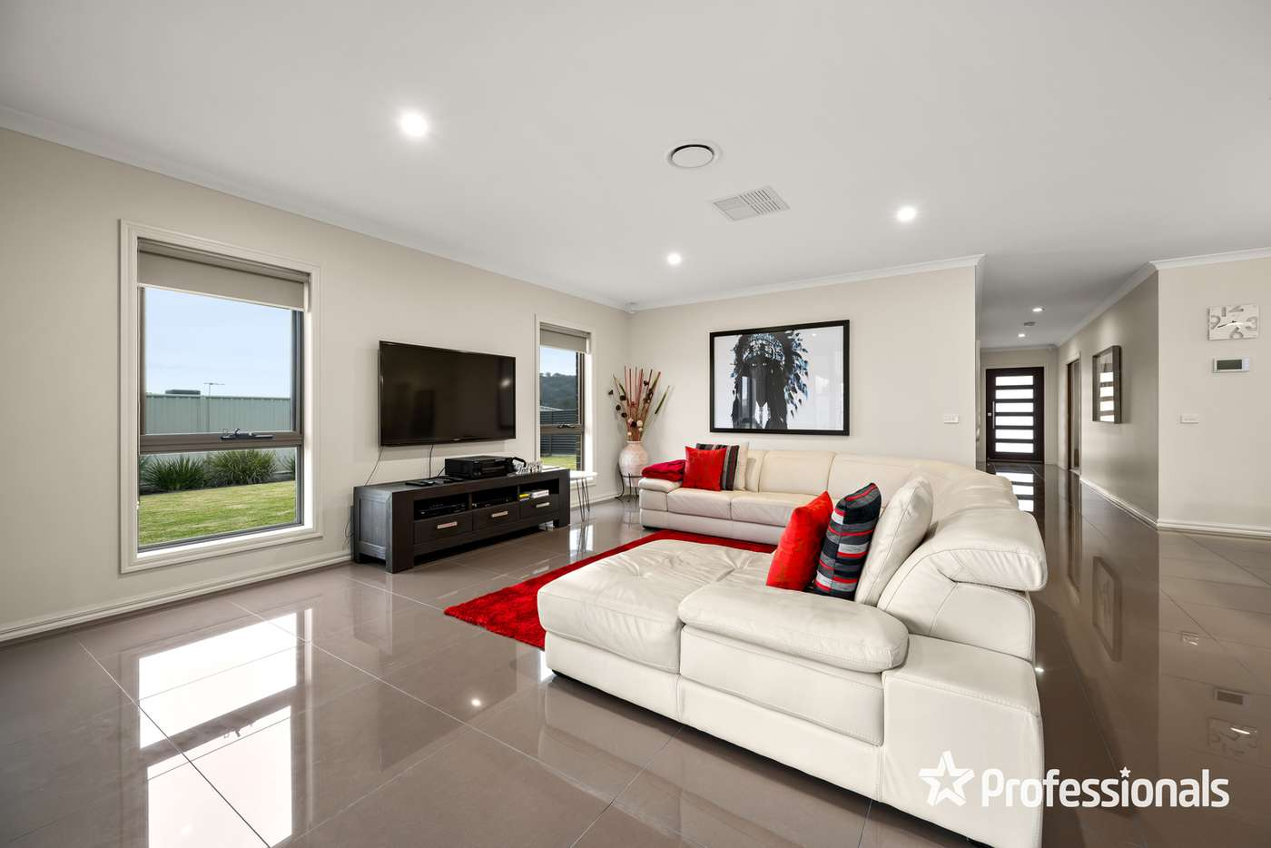 Fifth view of Homely house listing, 27 Cleeland Court, Wodonga VIC 3690
