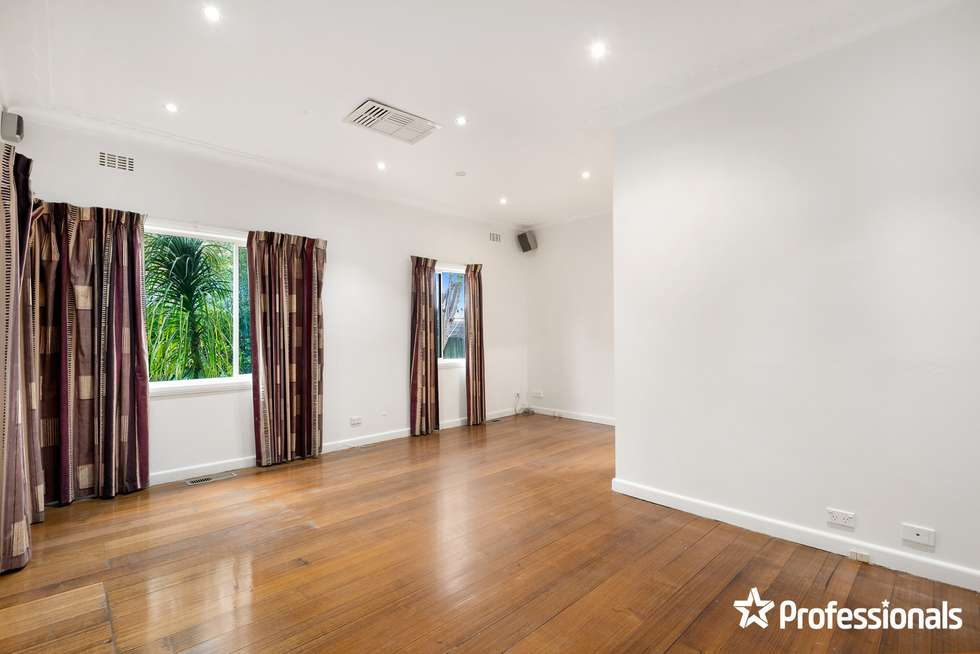 Third view of Homely unit listing, 1/196 Lawrence Road, Mount Waverley VIC 3149