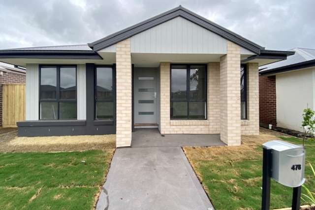 478 Casey Fields Boulevard, Cranbourne East VIC 3977