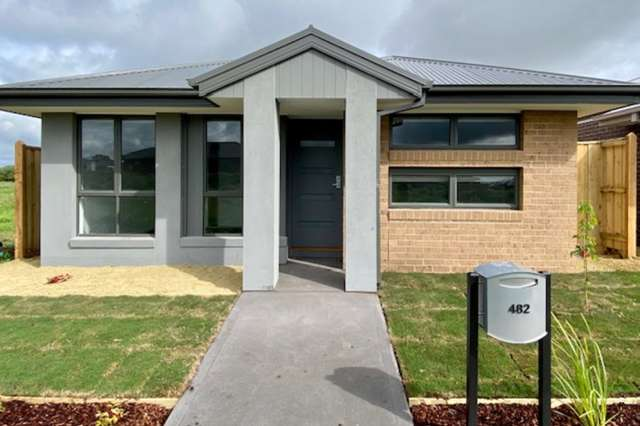 482 Casey Fields Boulevard, Cranbourne East VIC 3977