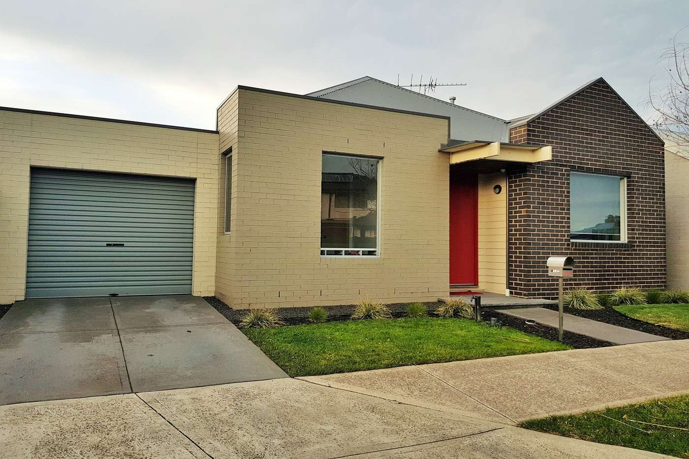 Main view of Homely house listing, 4 Hawthorn Lane, Craigieburn VIC 3064