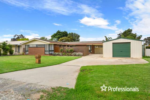 74 James Cook Avenue, Howlong NSW 2643