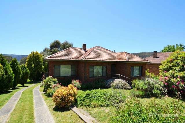 4 Hill Range Crescent, Lithgow NSW 2790