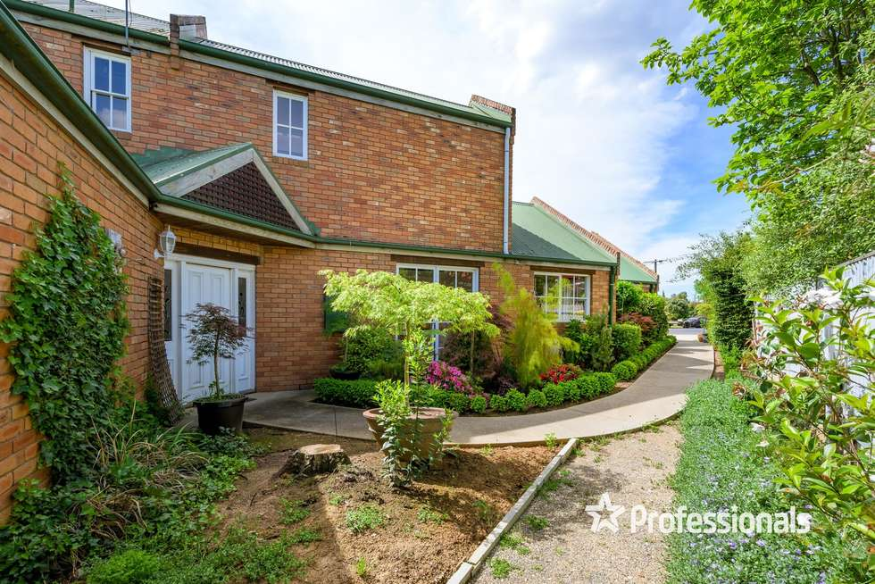 Second view of Homely house listing, 2 Uralla Court, Wodonga VIC 3690