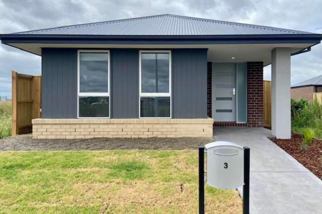 3 Hargood Place, Cranbourne East VIC 3977