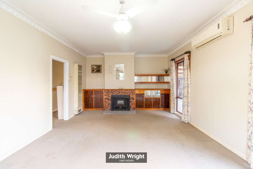 Second view of Homely house listing, 8 Fairchild Street, Drouin VIC 3818