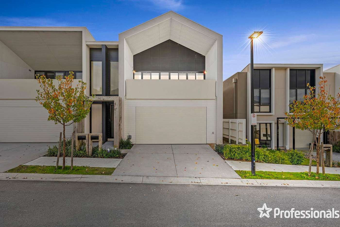 Main view of Homely house listing, 53 Amadeo Way, Chirnside Park VIC 3116