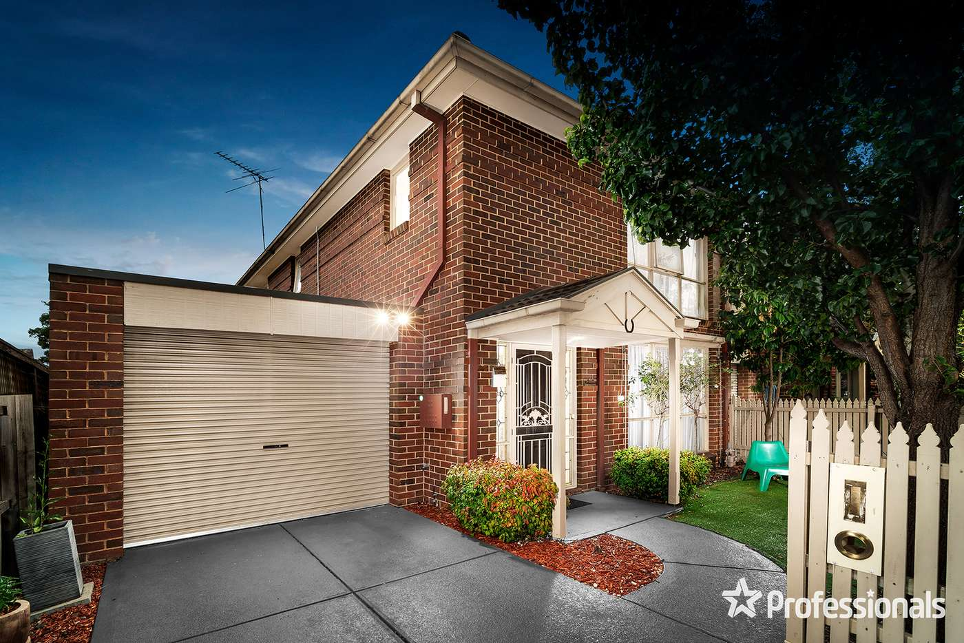 Main view of Homely unit listing, 1/2 Station Street, Mooroolbark VIC 3138