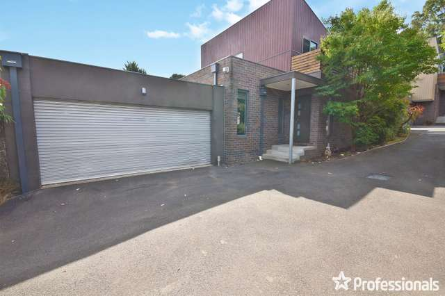 2/18 Ross Road, Croydon VIC 3136