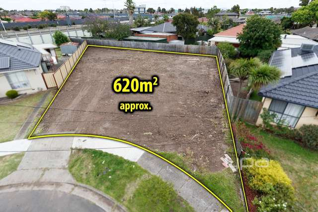 10 Altair Court, Gladstone Park VIC 3043