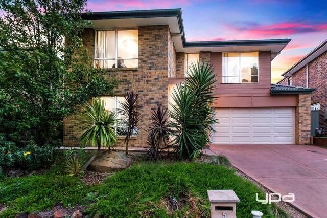 5 Triandra Close, Caroline Springs VIC 3023