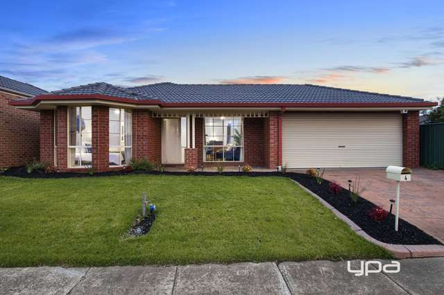 4 Charlesworth Crescent, Burnside VIC 3023