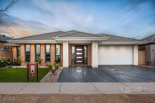 1 Blackshaws Place, Caroline Springs VIC 3023