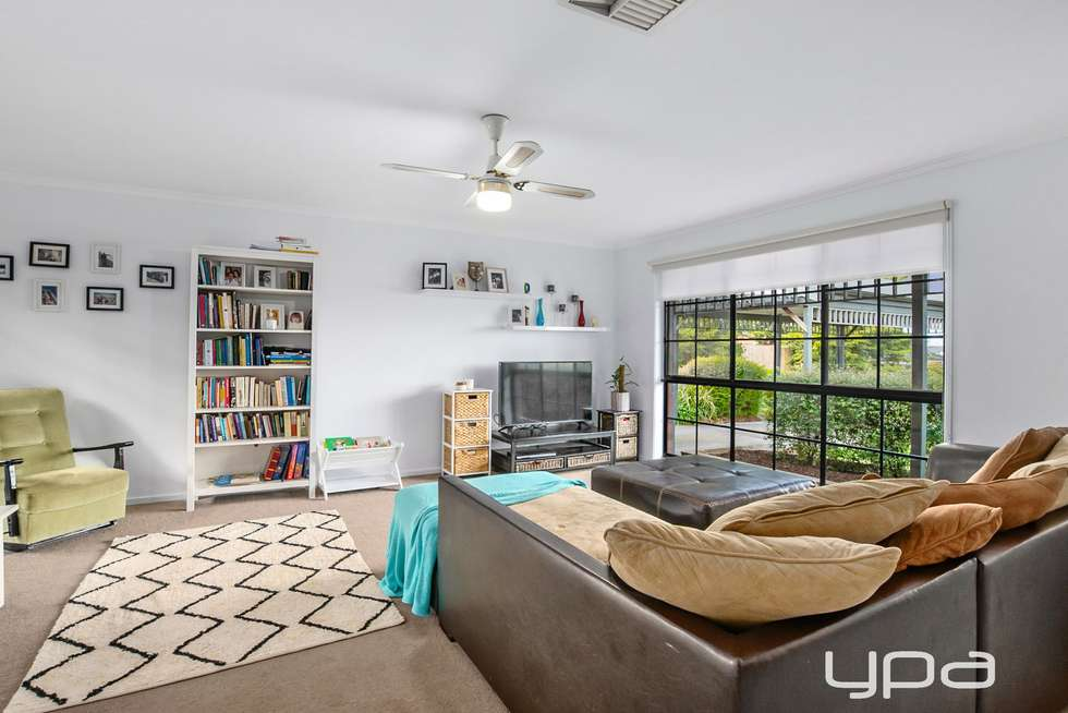 Second view of Homely house listing, 6 Cashmore Court, Bacchus Marsh VIC 3340