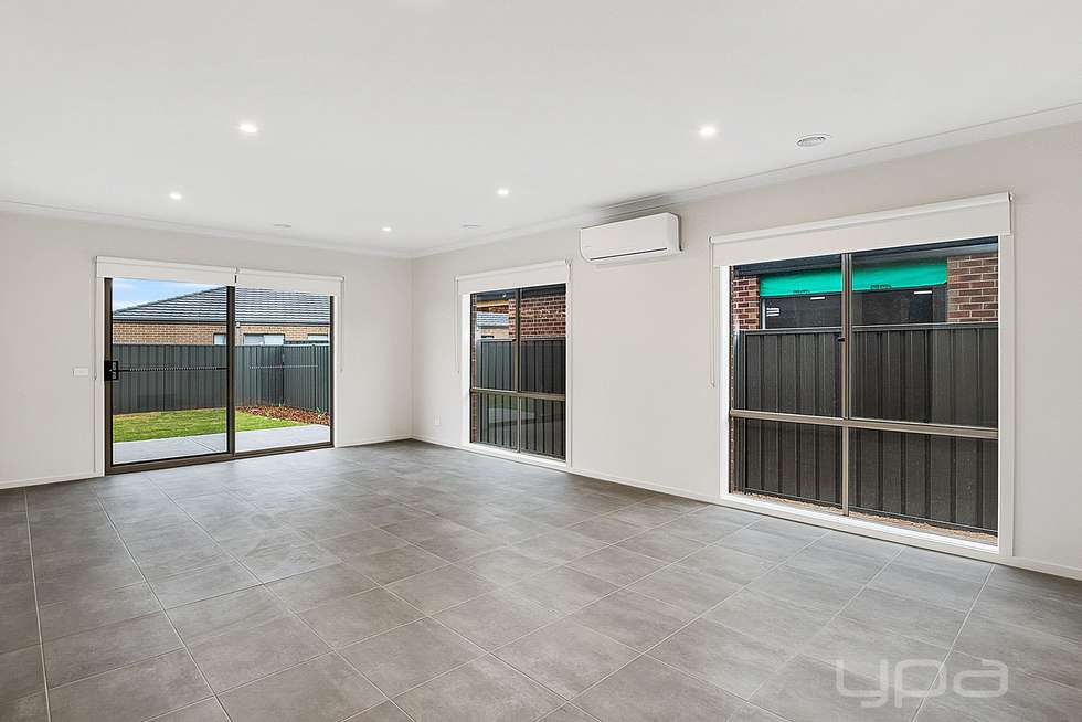 Third view of Homely house listing, 9 Stevenage Drive, Strathtulloh VIC 3338