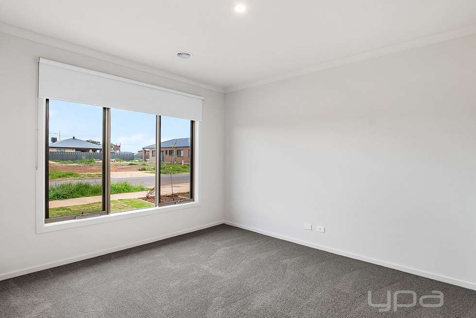 Fourth view of Homely house listing, 9 Stevenage Drive, Strathtulloh VIC 3338